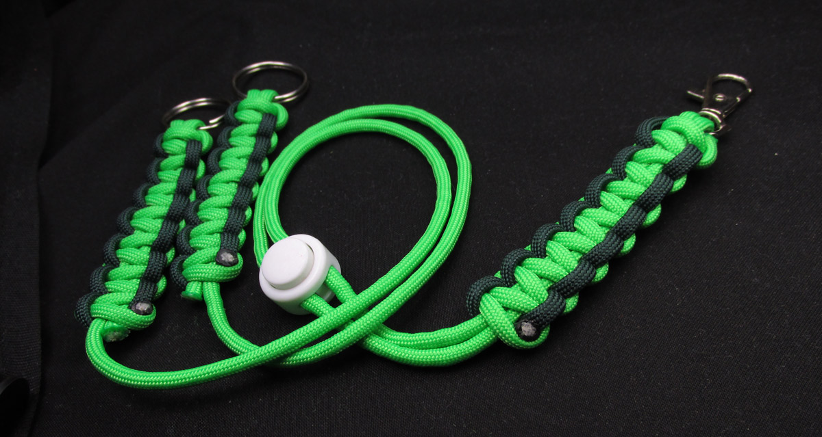 How to make a paracord neck lanyard oliefantasie for Paracord stuff to make
