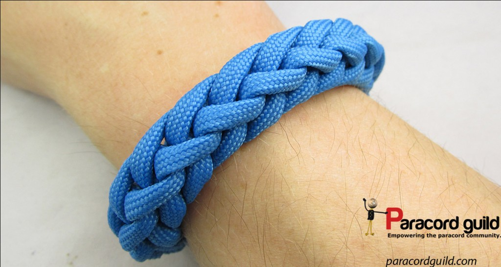 knitted paracord bracelet