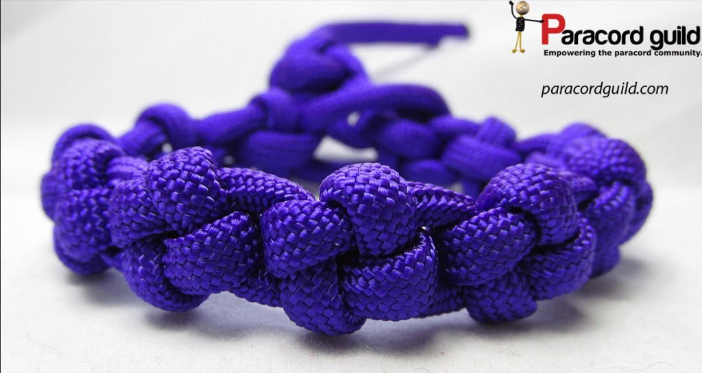 cross-paracord-bracelet