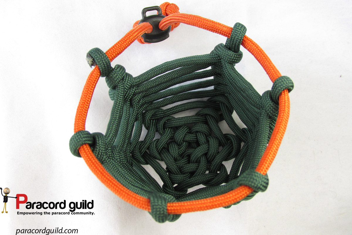 How to make a paracord can coozie paracord guild for Things made out of paracord