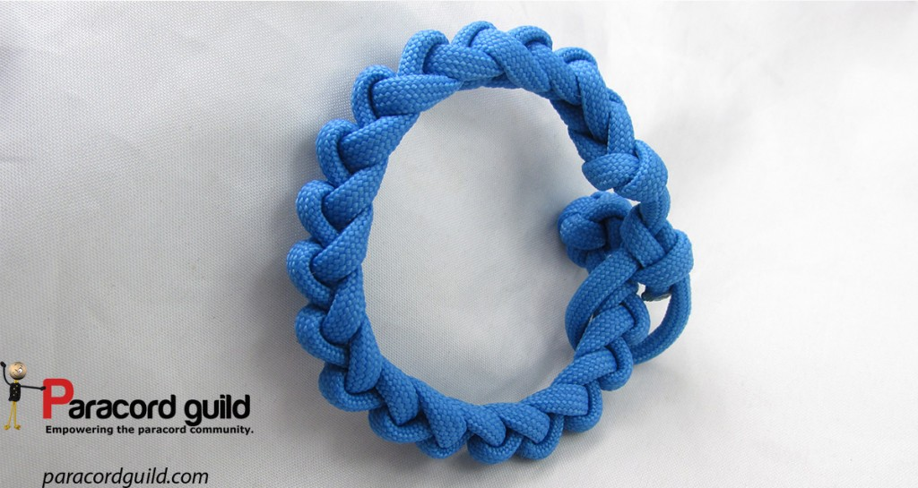 sawblade-paracord-bracelet