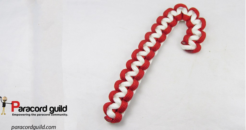 cobra-knot-paracord-candy-cane