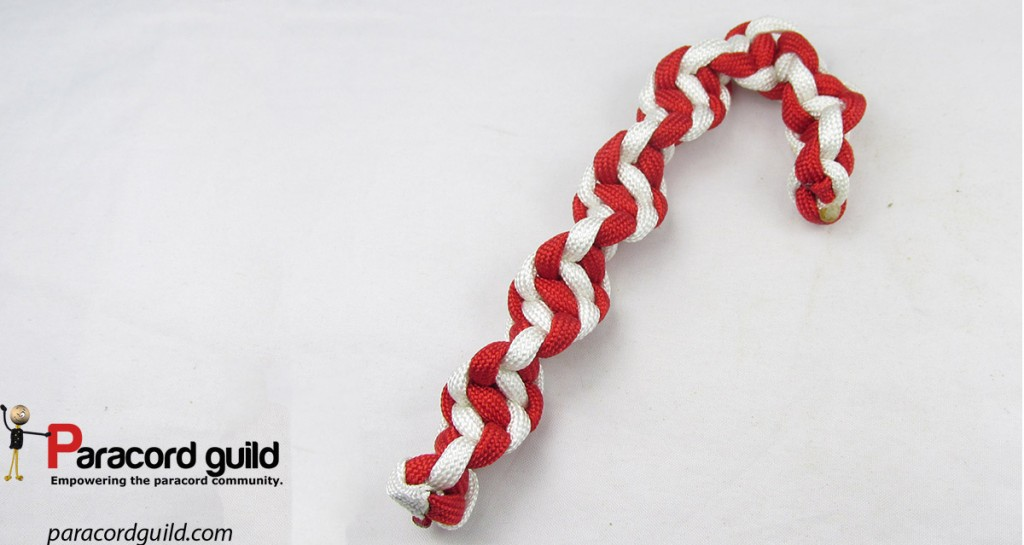 spiral-paracord-candy-cane