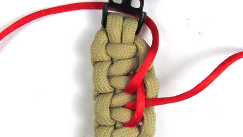 double-stairstep-stitch-bracelet-tutorial-step-(4-of-6)