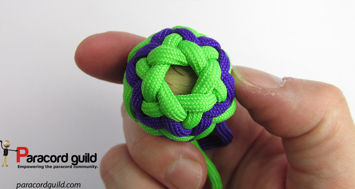 Pineapple knot- 12 lead 12 bight - Paracord guild