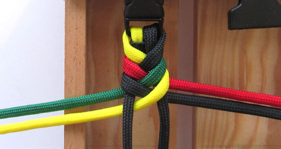 rasta-paracord-bracelet-tutorial (11 of 16)
