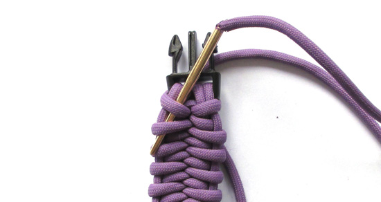 fishtail-belly-paracord-bracelet-tutorial (13 of 14)