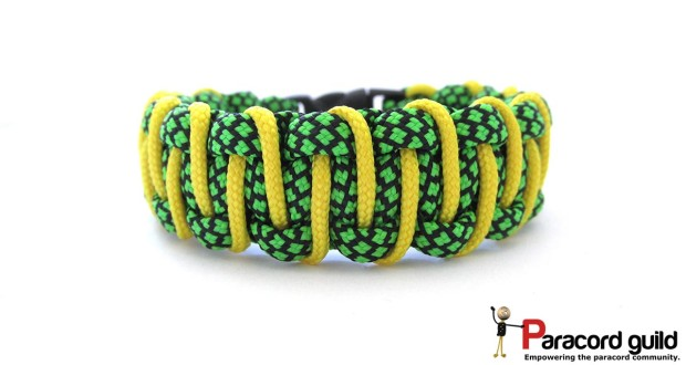 simple laced paracord bracelet