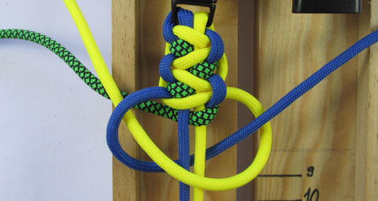 solomons-dragon-paracord-bracelet-tutorial (21 of 23)