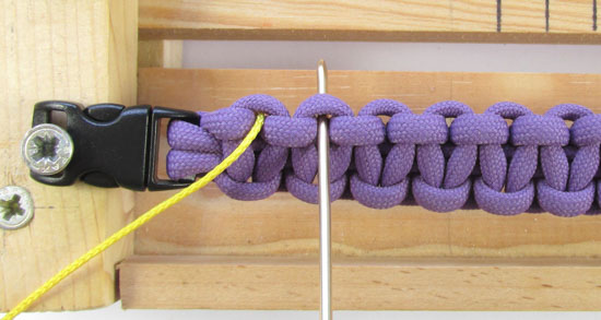 heart-stitched-paracord-bracelet-tutorial (5 of 25)