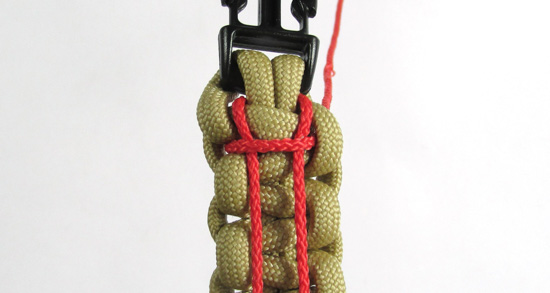 ladder-stitch-paracord-bracelet-tutorial (10 of 18)
