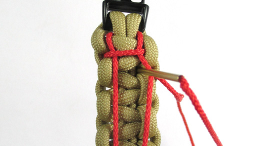 ladder-stitch-paracord-bracelet-tutorial (12 of 18)