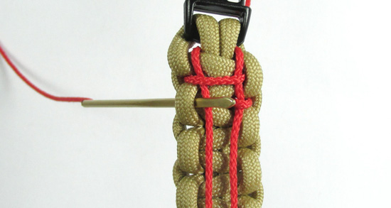 ladder-stitch-paracord-bracelet-tutorial (14 of 18)