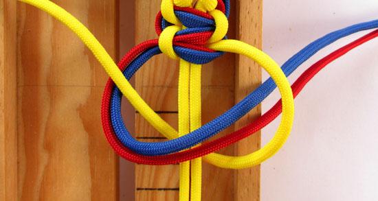 twisted-cobra-paracord-bracelet-tutorial (26 of 27)