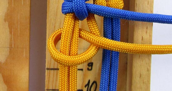 crossed-chain-sennit-paracord-bracelet-tutorial-23-of-28