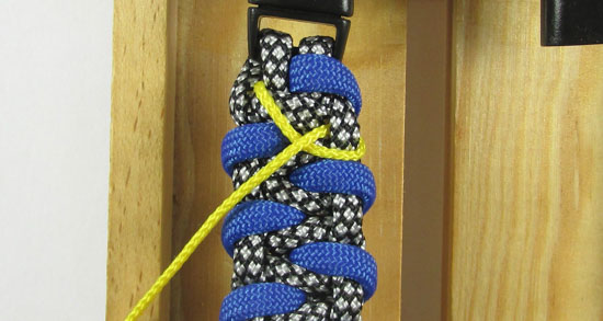 stitched-caged-solomon-paracord-bracelet-tutorial-5-of-13