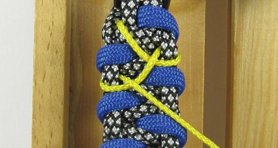 stitched-caged-solomon-paracord-bracelet-tutorial-7-of-13