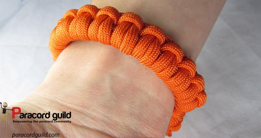 double half hitch paracord bracelet
