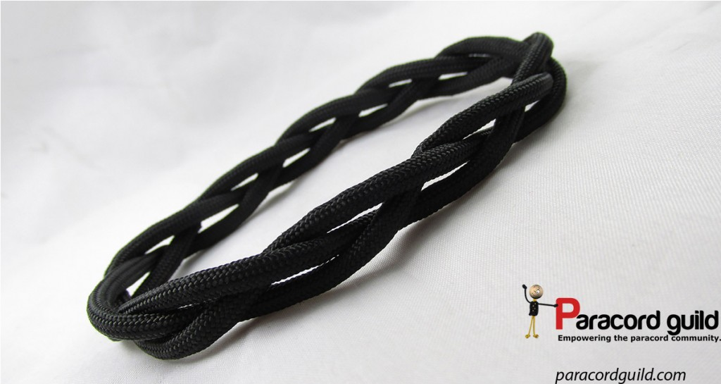 A single pass version. This one is nice if you want a thinner bracelet that can still hold a bit of cord.