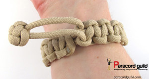 mad-max-paracord-bracelet