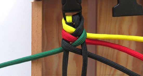 rasta-paracord-bracelet-tutorial (10 of 16)