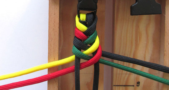 rasta-paracord-bracelet-tutorial (13 of 16)