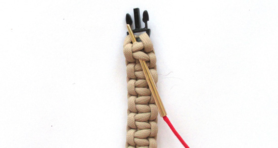 simple-laced-paracord-bracelet-tutorial (2 of 14)