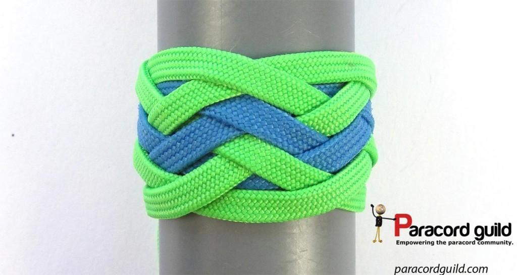 Type 1 pineapple knot.
