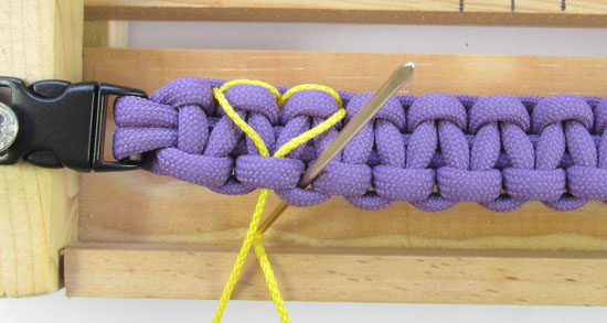 heart-stitched-paracord-bracelet-tutorial (14 of 25)