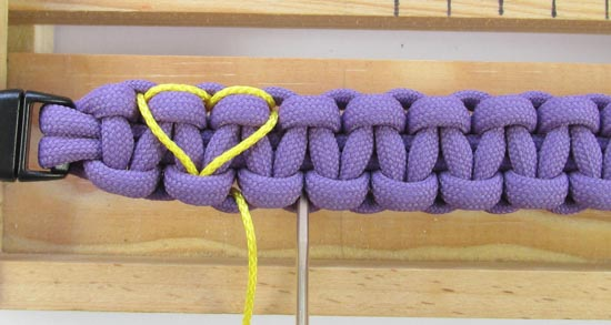 heart-stitched-paracord-bracelet-tutorial (15 of 25)