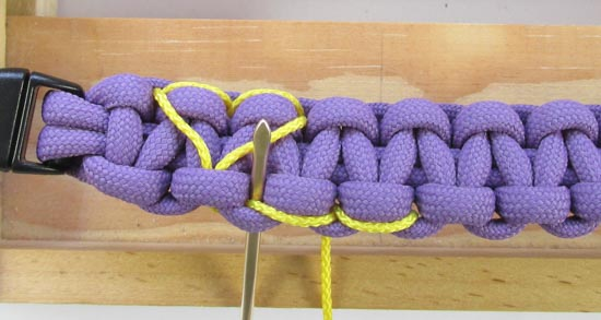 heart-stitched-paracord-bracelet-tutorial (18 of 25)