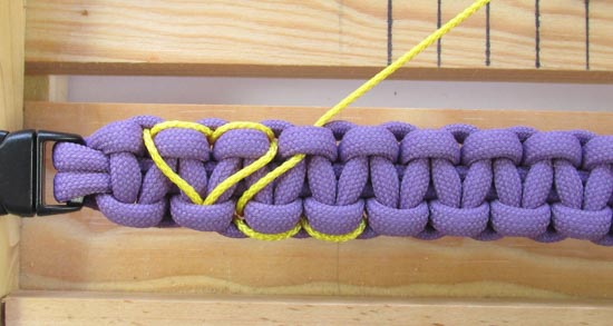 heart-stitched-paracord-bracelet-tutorial (19 of 25)