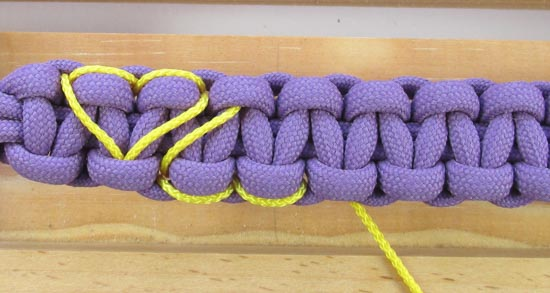 heart-stitched-paracord-bracelet-tutorial (20 of 25)