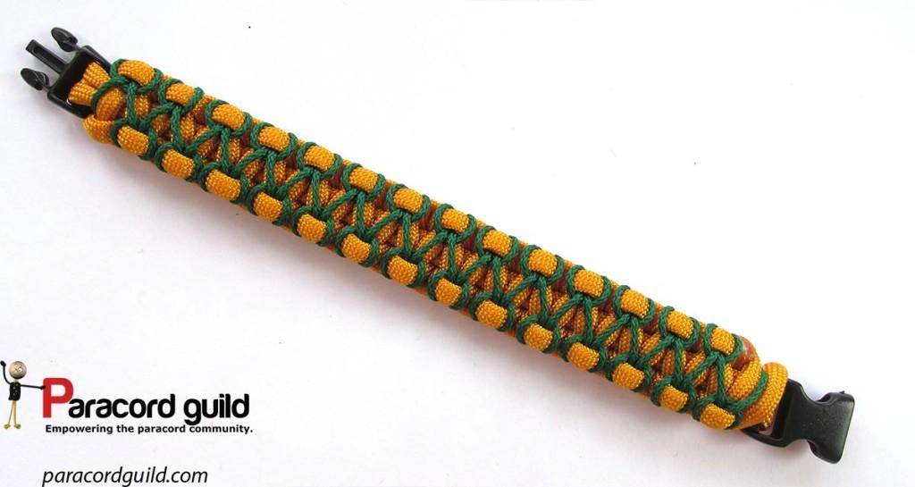 herringbone-stitched-cobra-knot-paracord-bracelet