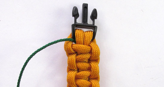 herringbone-stitched-paracord-bracelet-tutorial (2 of 16)