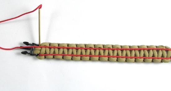 ladder-stitch-paracord-bracelet-tutorial (6 of 18)