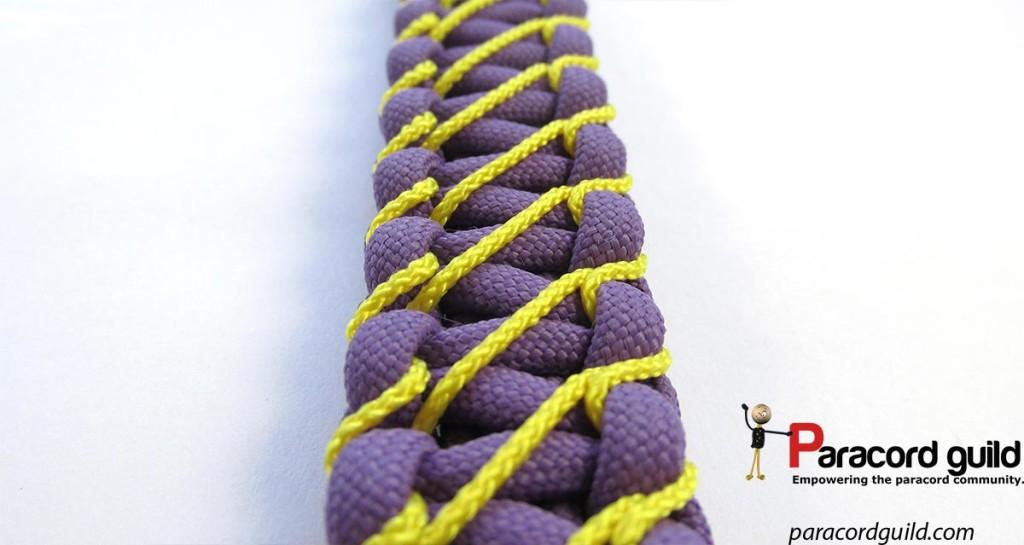 lightning-stitch--paracord-bracelet