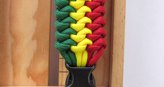 mated-snake-knot-paracord-bracelet-tutorial (29 of 31)