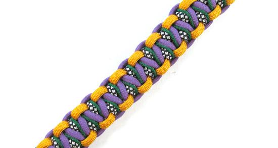 stitched-solomons-dragon-paracord-bracelet-tutorial (11 of 24)
