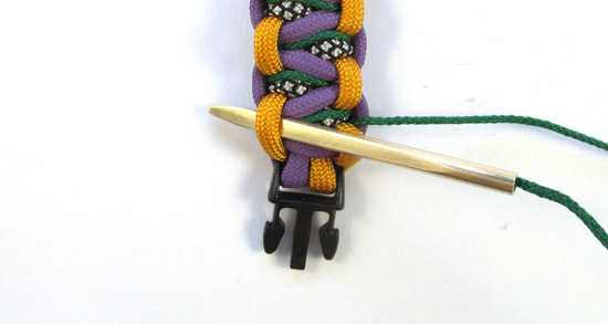 stitched-solomons-dragon-paracord-bracelet-tutorial (16 of 24)