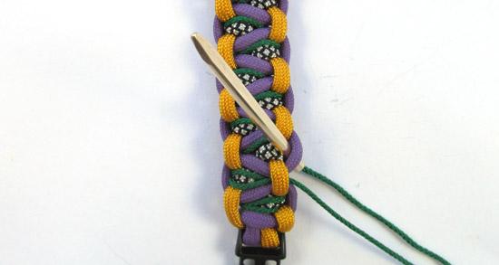 stitched-solomons-dragon-paracord-bracelet-tutorial (19 of 24)