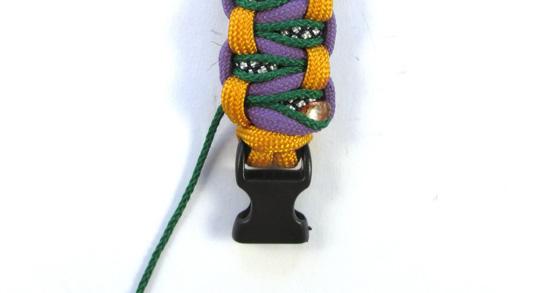 stitched-solomons-dragon-paracord-bracelet-tutorial (23 of 24)