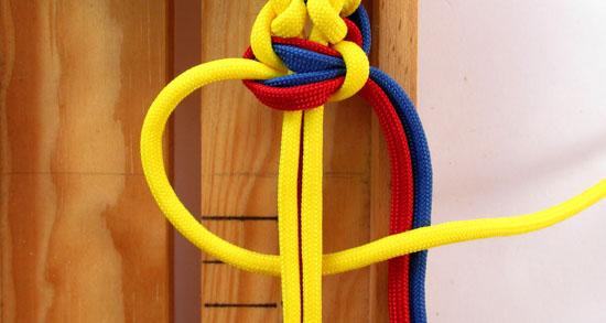 twisted-cobra-paracord-bracelet-tutorial (23 of 27)