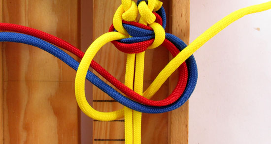twisted-cobra-paracord-bracelet-tutorial (24 of 27)