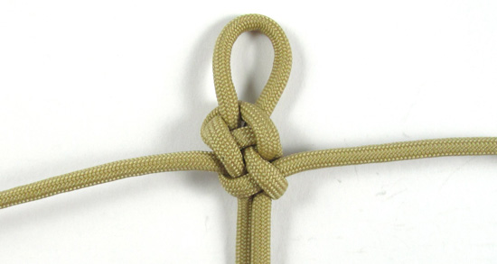 vertical-crown-knot-paracord-cross-tutorial (11 of 27)