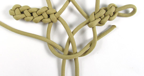 vertical-crown-knot-paracord-cross-tutorial (20 of 27)