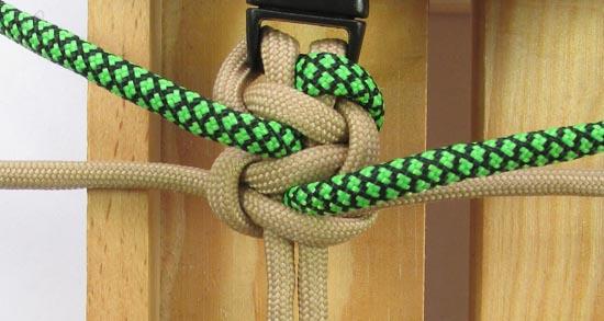 caged-solomon-bar-paracord-bracelet-tutorial (14 of 19)