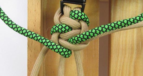 caged-solomon-bar-paracord-bracelet-tutorial (15 of 19)