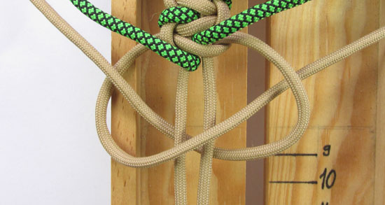 caged-solomon-bar-paracord-bracelet-tutorial (17 of 19)