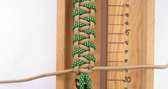 caged-solomon-bar-paracord-bracelet-tutorial (19 of 19)
